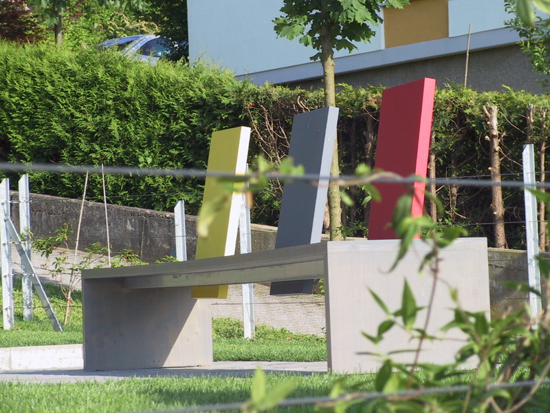 <strong>Bank mit versetzbaren Lehnen</strong> &ndash; planwerk GEHLE Fernplaner Fernplanung Landschaftsarchitektur Thomas Gehle Christine Gehle