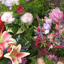 bunte Blumenkörbe