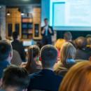 Management - Lounge für Entscheider und Führungskräfte der Pflegebranche