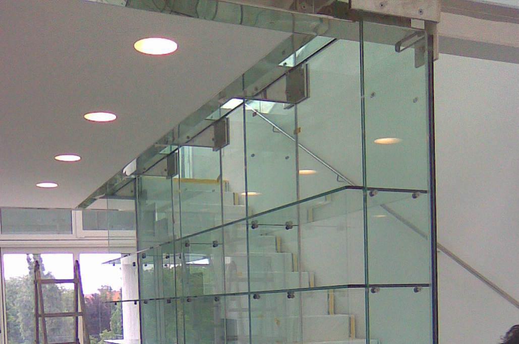 glas und spiegel service gmbh meitinger glas spezialist f r glas und spiegel kirchheim. Black Bedroom Furniture Sets. Home Design Ideas