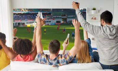 Gut Landhausküche, Möbel, Elektrogeräte, Fernseher